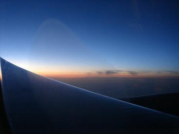飛行機の窓から.JPG